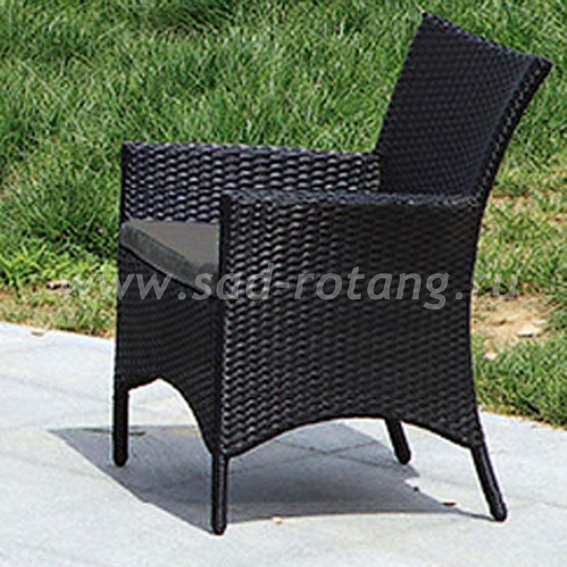 Комплект плетеной мебели из искусственного ротанга (Индонезия), размер Диван: ширина - 112 см, глубина - 66 см, высота - 86 см <br/> Стол: длина - 90 см, ширина - 50 см, высота - 51 см <br/> Кресло: ширина - 62 см, глубина - 66 см, высота - 86 см